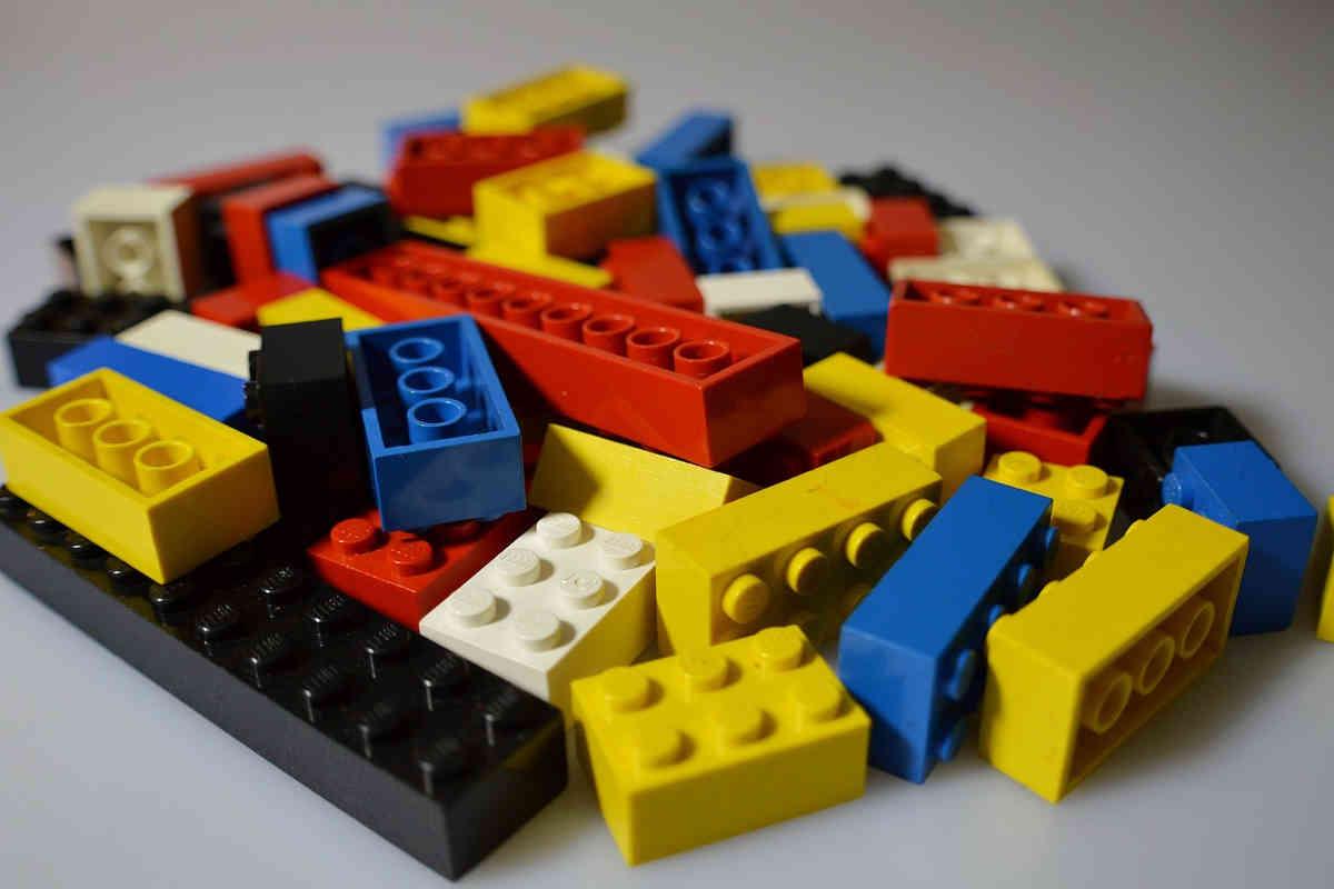 lego spielzeug bausteine