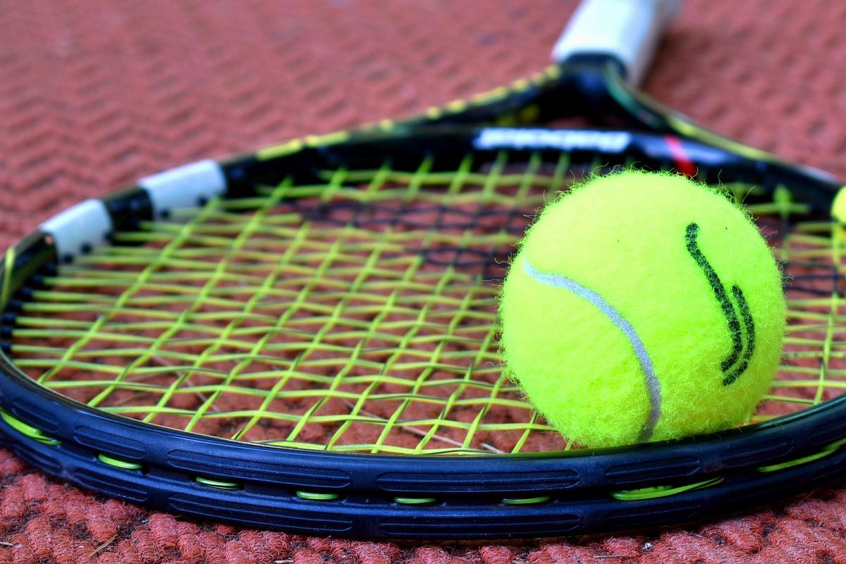Tennis Handel